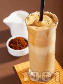 Домашно бяло фрапе с инстантно кафе, прясно мляко и подсладител (без захар) - снимка на рецептата